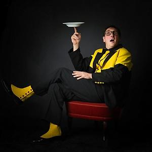 David Burlet juggler jongleur assiette plate