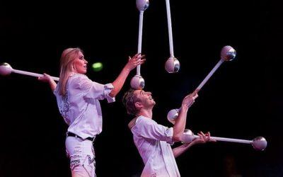 Jugglers Viktor Viktoriya